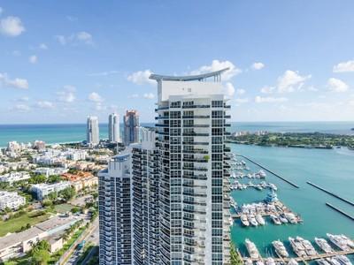 Appartement en copropriété for sales at MichelleHowland.com 400 Alton Road 1011 Miami Beach, Florida 31339 États-Unis