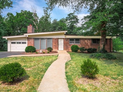 Single Family Home for sales at Once in a lifetime opportunity 775 Wenneker Drive Ladue, Missouri 63124 United States