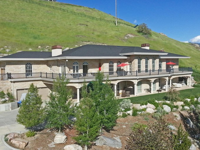 Villa for sales at Arlington Heights 949 E Chandler Drive Salt Lake City, Utah 84103 Stati Uniti