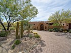 Maison unifamiliale for sales at Beautiful Southwest-Style Home on Renegade's 17th Fairway in Desert Mountain 9459 E Covey Trail Scottsdale, Arizona 85262 États-Unis