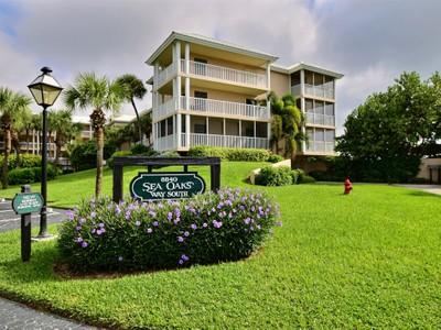 Condomínio for sales at Oceanfront Condo in Sea Oaks 8840 South Sea Oaks Way,#109  Vero Beach, Florida 32963 Estados Unidos