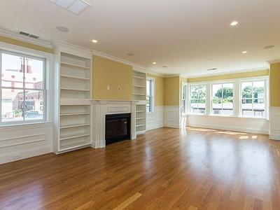 Nhà chung cư for sales at 49 L Street- Unit 4  Boston, Massachusetts 02127 Hoa Kỳ