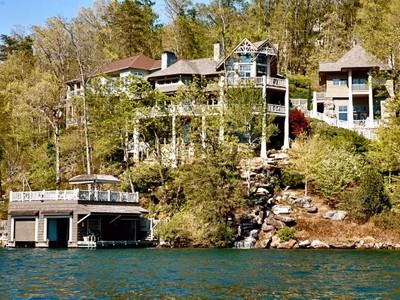 獨棟家庭住宅 for sales at Architectural Waterfront Masterpiece 1883 Buffalo Shoals Road Lake Lure, 北卡羅來納州 28746 美國