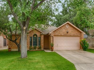 Nhà ở một gia đình for sales at Wonderful Single Story in Westcreek Oaks 11855 James Vinson San Antonio, Texas 78253 Hoa Kỳ