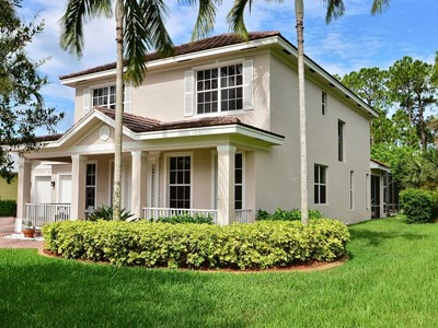 Single Family Home for sales at Deserving of Your Attention, 4/3.5/3 Pool Home 965 Ansley Ave SW Vero Beach, Florida 32968 United States