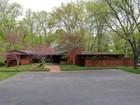 Villa for sales at Spectacular Ladue Contemporary 5 Roan Lane St. Louis, Missouri 63124 Stati Uniti