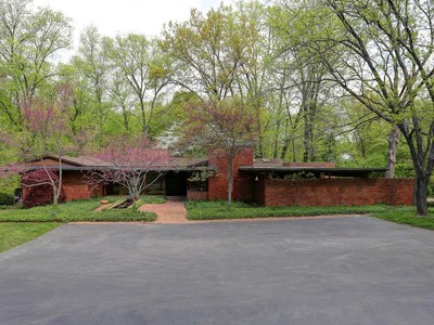 Single Family Home for sales at Spectacular Ladue Contemporary 5 Roan Lane St. Louis, Missouri 63124 United States
