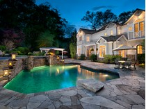 Maison unifamiliale for sales at Graceful Nantucket-Style Home 242 Wahackme Road   New Canaan, Connecticut 06840 États-Unis