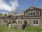 Maison unifamiliale for  sales at Exquisite and Secluded 21 Crows Nest Rd Bronxville, New York 10708 États-Unis
