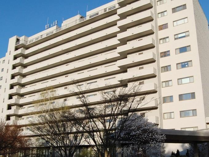 Кооперативная квартира for sales at Fabulous 10th Floor Two Bedroom Unit with Great Views of L.I. Sound 3200 Park Avenue Unit #10B1  Bridgeport, Коннектикут 06604 Соединенные Штаты