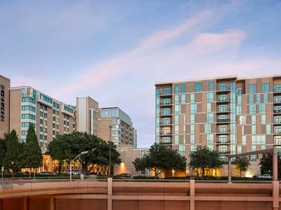 Appartement en copropriété for sales at Luxury Hi Rise 5656 N. Central Expressway #903   Dallas, Texas 75206 États-Unis