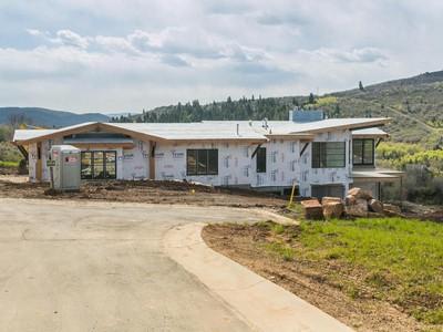 Vivienda unifamiliar for sales at Beautiful Home-Site in Summit County 8814 Parley's Ln Lot 33 Park City, Utah 84098 Estados Unidos