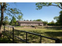 Casa para uma família for sales at Chesterfield home on 4.53 acres 14800 Sugarwood Trail Dr   Chesterfield, Missouri 63017 Estados Unidos