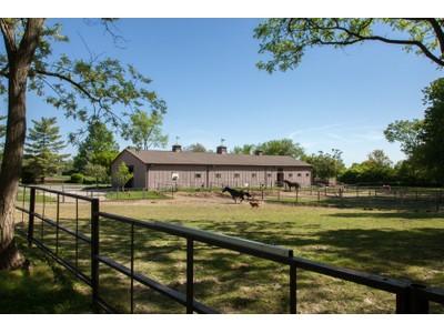 一戸建て for sales at Chesterfield home on 4.53 acres 14800 Sugarwood Trail Dr Chesterfield, ミズーリ 63017 アメリカ合衆国