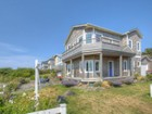 Maison unifamiliale for  sales at Oceanfront Cannon Beach Home 188 W Van Buren Cannon Beach, Oregon 97110 États-Unis