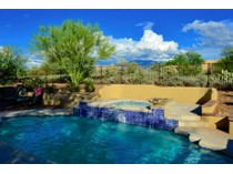 Vivienda unifamiliar for sales at Scenic, Peaceful And Gorgeous Private Home On 1.28 Acres In Gated Coyote Ridge 12316 N Cloud Ridge Drive   Oro Valley, Arizona 85755 Estados Unidos