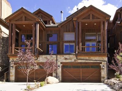 Vivienda unifamiliar for sales at Fabulous Old Town 5 Bedroom Townhome! 355 Deer Valley Dr #A Park City, Utah 84098 Estados Unidos