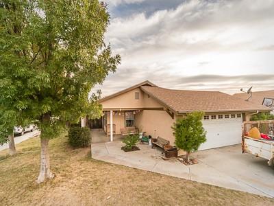 Casa para uma família for sales at Great Corner Lot! 455 Abramson Road  Templeton, Califórnia 93465 Estados Unidos