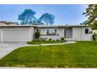 Casa para uma família for  sales at 546 Savoy Street  San Diego, Califórnia 92106 Estados Unidos