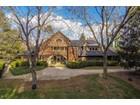 Частный односемейный дом for  sales at 3204 Falls Park Place    Louisville, Кентукки 40222 Соединенные Штаты