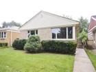 Частный односемейный дом for sales at Wonderful Brick Ranch Home 8419 Trumball Avenue Skokie, Иллинойс 60076 Соединенные Штаты
