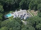 Casa para uma família for  sales at Classic Traditional Design 35 Chessor Lane   Wilton, Connecticut 06897 Estados Unidos