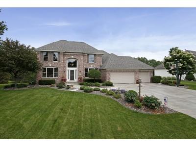 Maison unifamiliale for sales at 2615 Town Lake Drive   Woodbury, Minnesota 55125 États-Unis