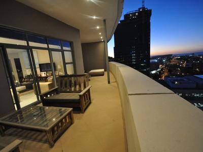아파트 for sales at Sterling Views from your Platinum Penthouse!  Cape Town, 웨스턴 케이프 8001 남아프리카