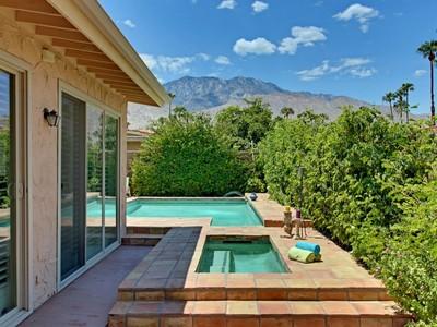 Nhà ở một gia đình for sales at 3210 Cambridge Court  Palm Springs, California 92264 Hoa Kỳ