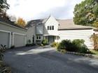 Villa for  sales at Open Floor Plan 3 Powder House Road  Dover, Massachusetts 02030 Stati Uniti