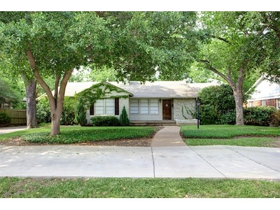 Single Family Home for sales at 3612 South Hills Avenue   Fort Worth, Texas 76109 United States