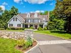 Maison unifamiliale for  sales at Sublimely Situated 14 Brandon Circle   Wilton, Connecticut 06897 États-Unis