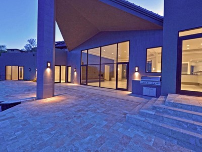 Частный односемейный дом for sales at One Of The Most Striking Contemporaries Ever Built In Arizona 7349 N Clearwater Parkway Paradise Valley, Аризона 85253 Соединенные Штаты