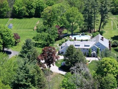 一戸建て for sales at A Rare Treasure 550 Ridgefield Road  Wilton, コネチカット 06897 アメリカ合衆国