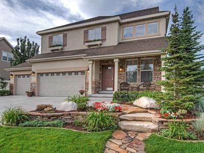 独户住宅 for sales at Spectacular Sandy 2 Story Home 2026 E Quartzridge Dr Sandy, 犹他州 84092 美国