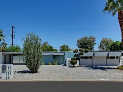 獨棟家庭住宅 for sales at 2980 E Plaimor Ave  Palm Springs, 加利福尼亞州 92262 美國