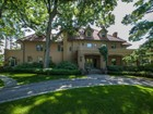 獨棟家庭住宅 for  sales at Bronxville's Crown Jewel 21 Ridge Rd. Bronxville, 紐約州 10708 美國