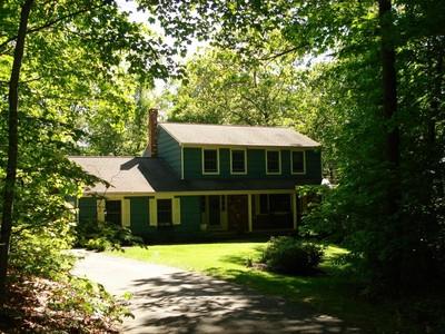 Maison unifamiliale for sales at Fawn Brook Circle 76 Fawn Brook Circle Madison, Connecticut 06443 États-Unis
