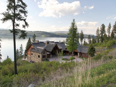 Villa for sales at Private and large waterfront Craftman home 19886 S HEADLANDS DR Harrison, Idaho 83833 Stati Uniti