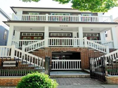 Casa para uma família for sales at 1125 W Montana Ave 1125 W Montana Street Chicago, Illinois 60614 Estados Unidos
