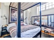 Apartamento for sales at Paris 2 - Proche de la Place des Victoires    Paris, Paris 75002 Francia