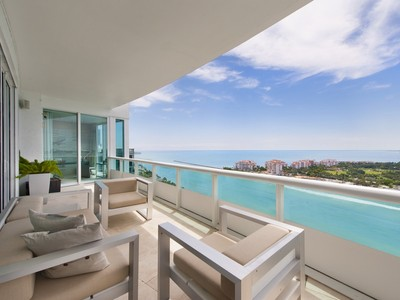 Copropriété for sales at 1000 S pointe Dr. Unit PH 3 1000 S pointe # PH3 Miami Beach, Florida 33139 États-Unis