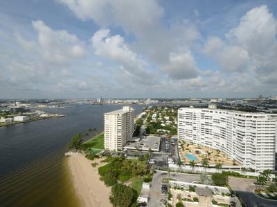 Appartement en copropriété for sales at Point of Americas 2200 S Ocean Ln #2401-2 Fort Lauderdale, Florida 33316 États-Unis
