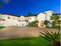 Casa Unifamiliar for sales at Remodeled to Perfection 6703 Rancho Lakes   Rancho Santa Fe, California 92067 Estados Unidos