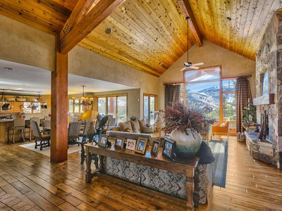 Maison unifamiliale for sales at Luxurious Lower Deer Valley Mountain Retreat with Spectacular Ski Run Views 2840 Telemark Dr   Park City, Utah 84060 États-Unis