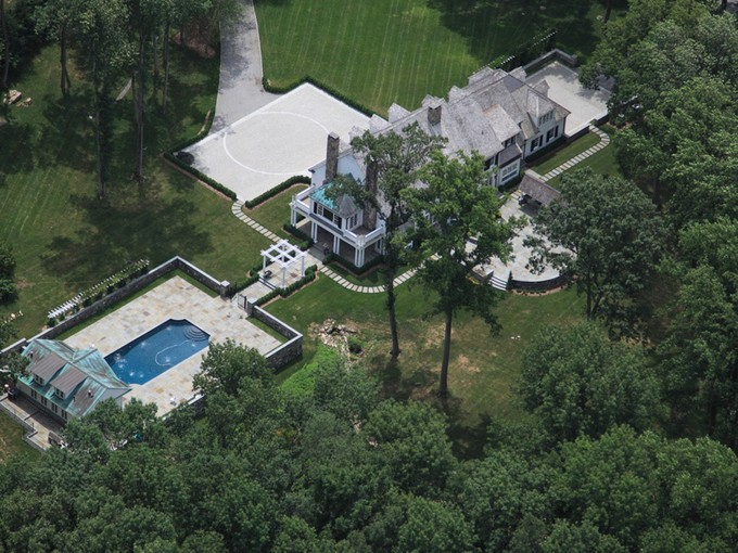 Villa for sales at One of Bedford's finest locations 201-205 W. Patent Road  Bedford Corners, New York 10549 Stati Uniti