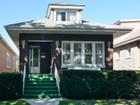 Частный односемейный дом for sales at Historic Wrightwood Bungalow! 4728 W Wrightwood Avenue  Chicago, Иллинойс 60639 Соединенные Штаты