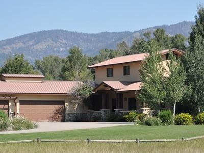 独户住宅 for sales at Privacy, Water and Views in Swan Valley 325 Whistler Road Swan Valley, 爱达荷州 83449 美国