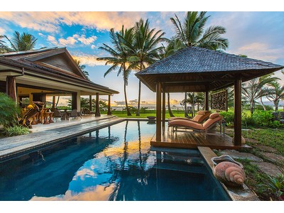 Maison unifamiliale for sales at Kailua Beachfront Grand Estate 59 & 63 Kailuana Place   Kailua, Hawaii 96734 États-Unis