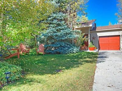 Nhà ở một gia đình for sales at Three Bedroom Home in Trailside School District under 470,000 5825 Kingsford Ave  Park City, Utah 84098 Hoa Kỳ
